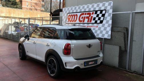 Mini Cooper S Countryman all4 powered by 9000 Giri