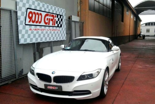 Bmw Z4 23i powered by 9000 giri