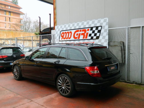 Mercedes c 220 cdi powered by 9000 Giri