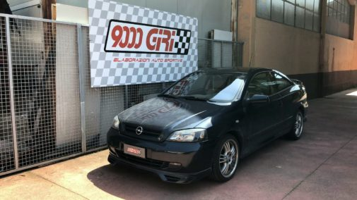 Opel Astra Turbo powered by 9000 Giri