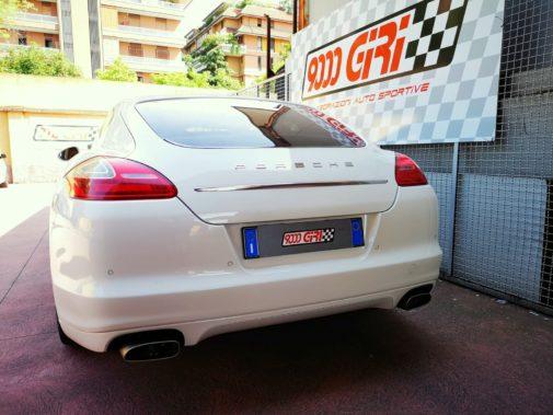 Porsche Panamera 3.0d powered by 9000 Giri