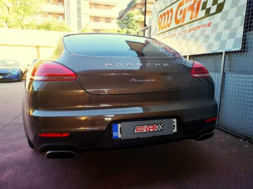 Porsche Panamera 3.0d powered by 9000 Giri