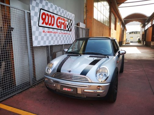 Mini Cooper powered by 9000 Giri