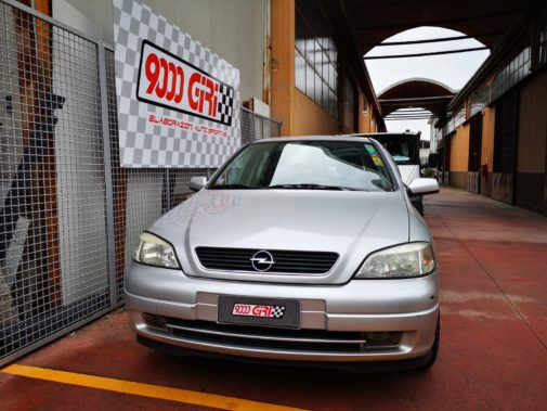 Opel Astra powered by 9000 Giri