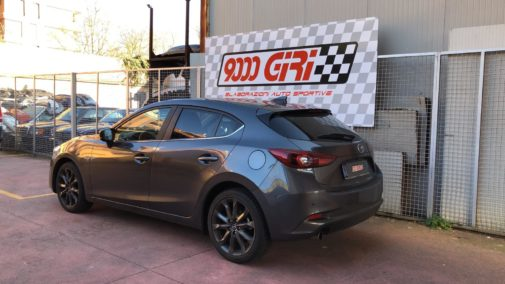 Mazda 3 powered by 9000 Giri