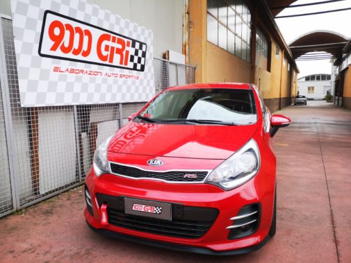 Kia Rio 1.3 16v powered by 9000 Giri