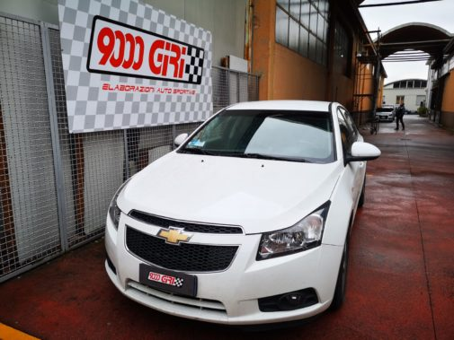 Chevrolet Cruze powered by 9000 giri