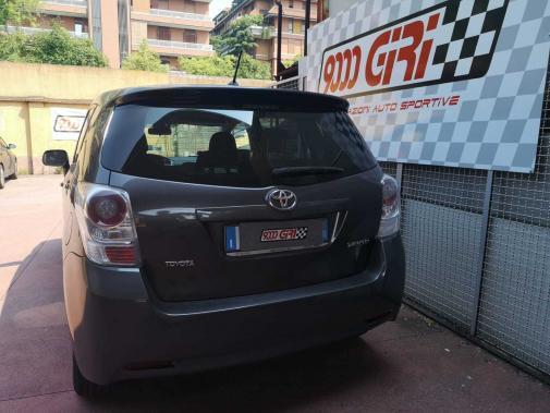 Toyota Verso powered by 9000 Giri