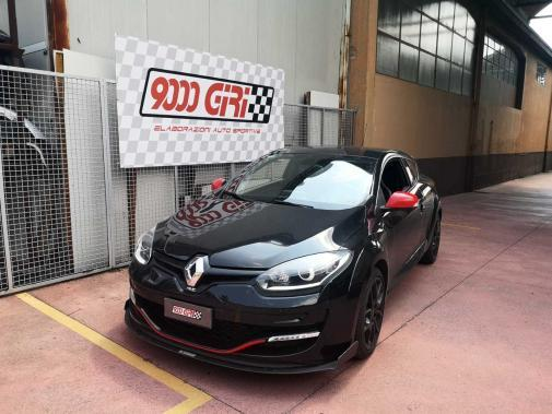 Renault Megane Rs powered by 9000 Giri