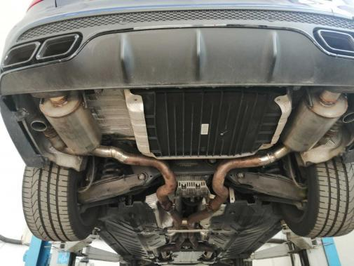 Mercedes C63 amg powered by 9000 Giri