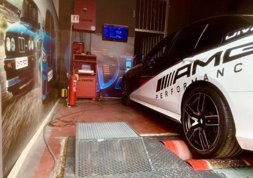 Mercedes E200 Turbo powered by 9000 Giri