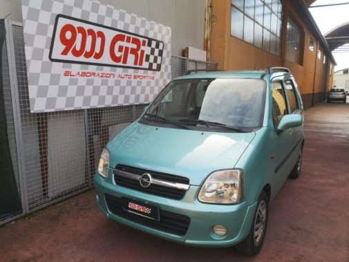 Opel Agila 1.0 16v powered by 9000 Giri