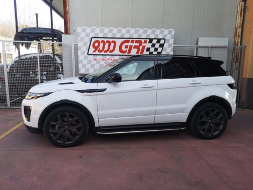 Range Rover Evoque 2.0 Si4 powered by 9000 Giri