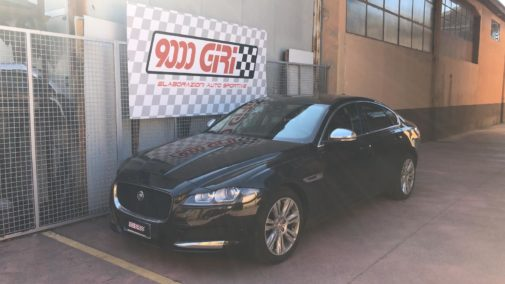 Jaguar Xf 2.0 powered by 9000 Giri