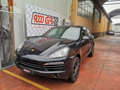 Porsche Cayenne 3.0d powered by 9000 Giri