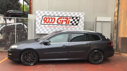 Renault Laguna 2.0 cdi powered by 9000 Giri