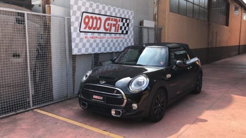 Mini Cooper S cabrio powered by 9000 Giri