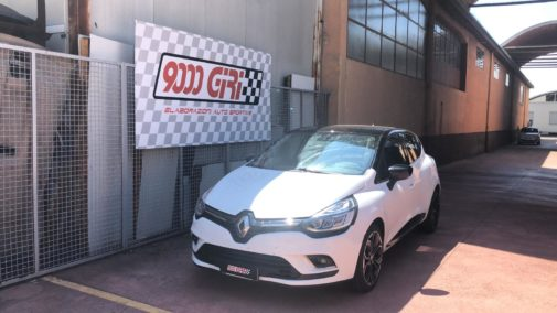 Renault Clio 1.5 tdci powered by 9000 Giri
