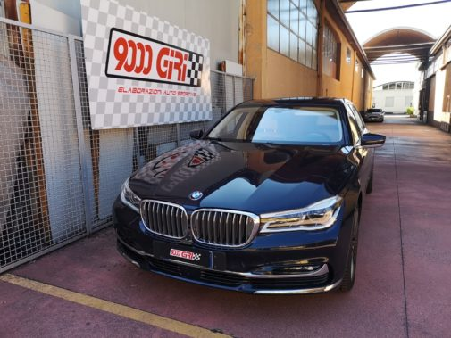 Bmw 750 Il powered by 9000 Giri