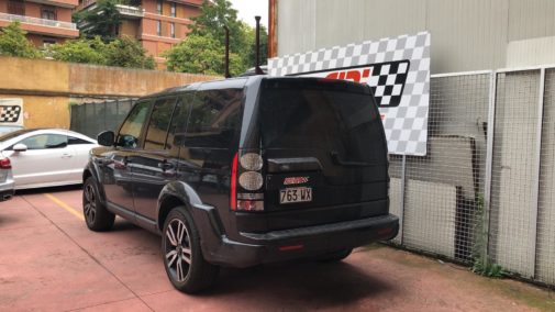 Land Rover Discovery 3.0 tdi powered by 9000 giri