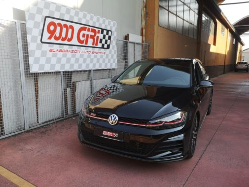 Vw Golf 7.5 Gti powered by 9000 Giri