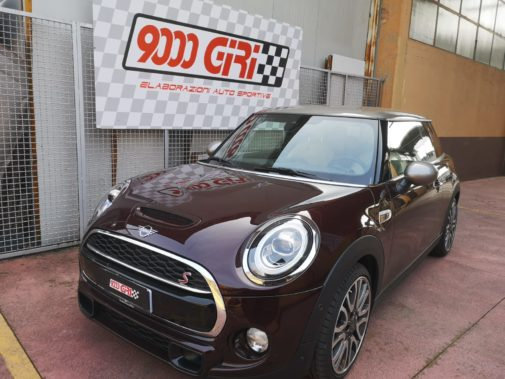 Mini Cooper S powered by 9000 Giri