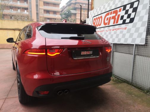 Jaguar F-Pace powered by 9000 Giri