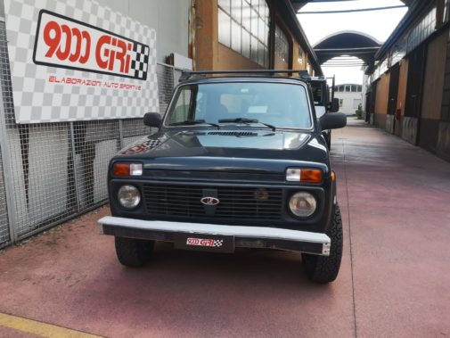 Lada Niva 1.7 powered by 9000 Giri