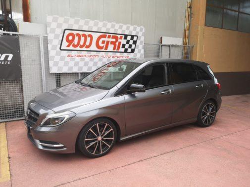 Mercedes B220 cdi powered by 9000 Giri