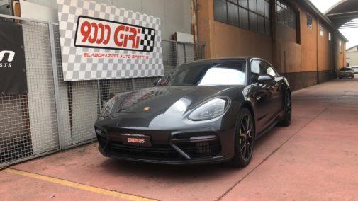 Porsche Panamera Hybrid Turbo S powered by 9000 giri