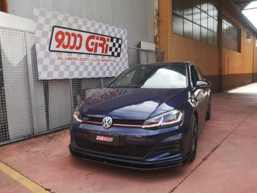 Vw Golf 7.5 Gti powered by 9000 Giri